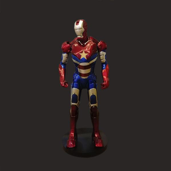 影视钢铁侠雕像