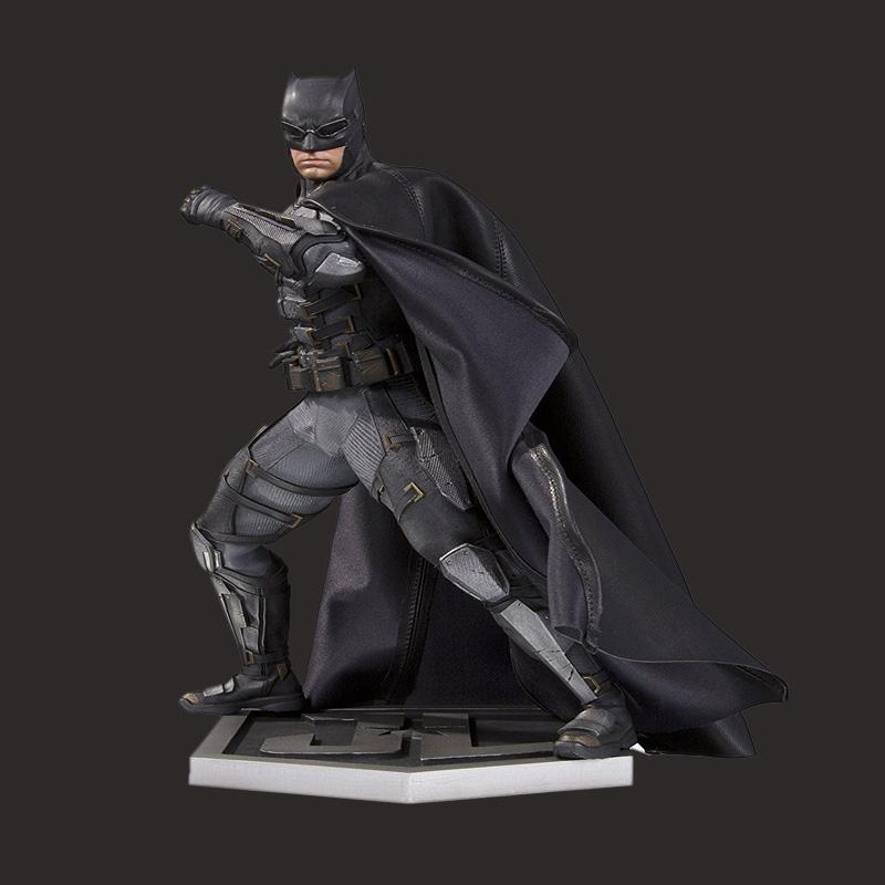 影视蝙蝠侠人物雕像